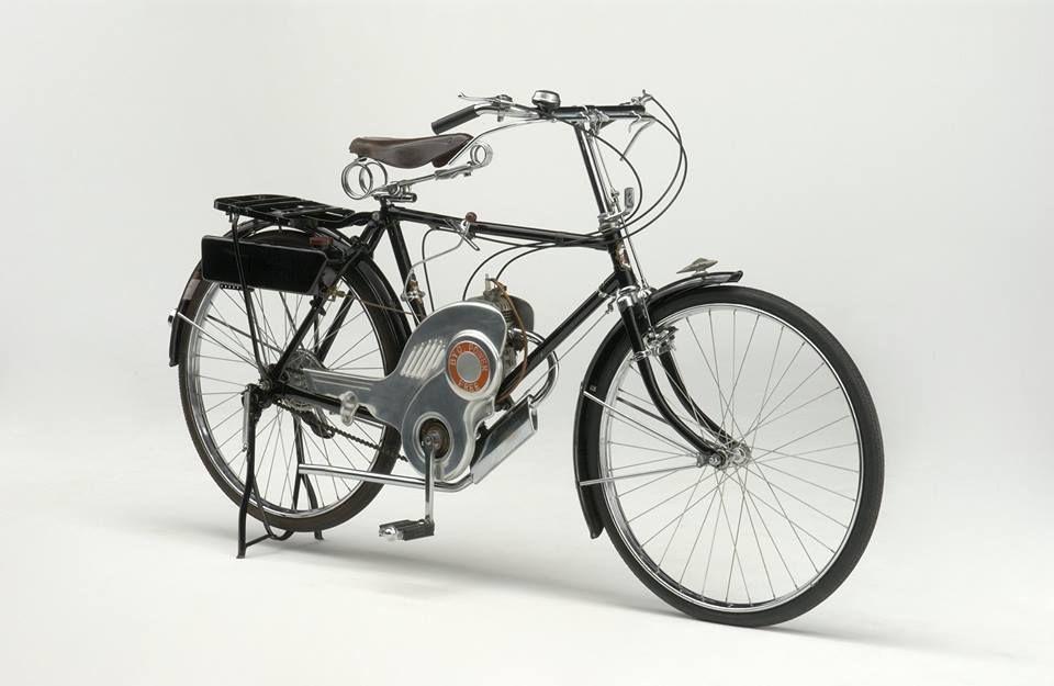 Primeira moto Suzuki