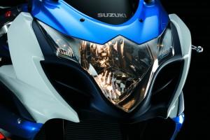 Motos - Suzuki SRAD Especificações Motos