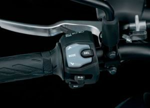 Motocicleta GSX-S1000F Controle de Tração